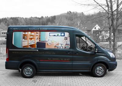 Digitaldruck und Folienplott auf Firmenwagen
