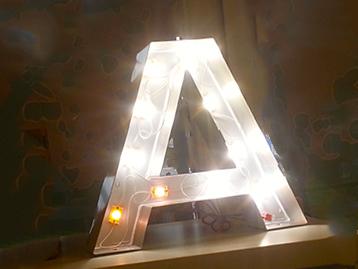 Innenleben eines Leuchtbuchstaben