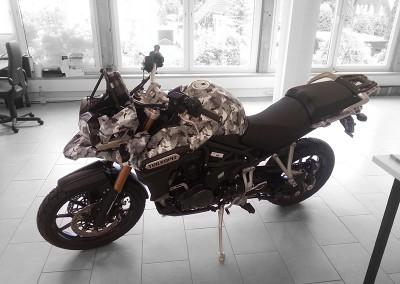 Motorad, teilfoliert Camouflage