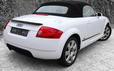 Audi TT schwarz-weiß foliert
